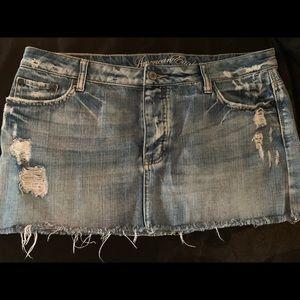 American Eagle Distressed Ripped Skirt Denim SZ 14